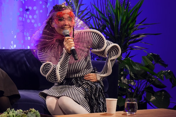 Excellent Couch Wisdom Bjork Red Bull Music Academy Daily Pabps2019 Chair Design Images Pabps2019Com